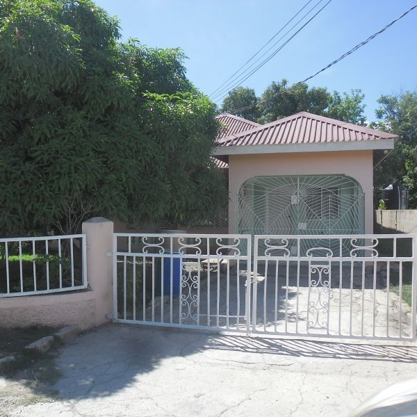 House  For Sale - Spanish Town, St.Catherine