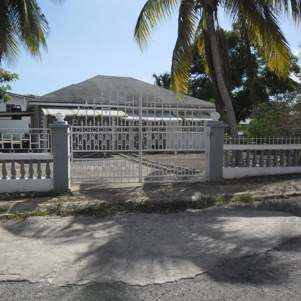 House for Sale - Keystone, Spanish Town